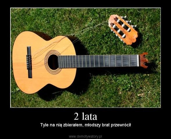 Zdjęcie gitara klasyczna z Allegro i portalu OLX